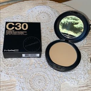 M•A•C Cosmetics Studio Fix Powder Foundation C30